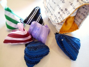 """Precious zippered bags made from a 22"""" zip! Fabulous work Shirley."""